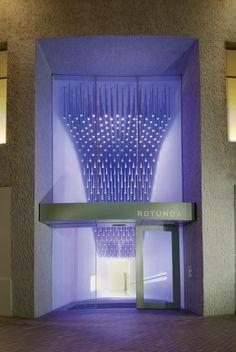 Rotonde, un immeuble de bureaux transformé en appartements par Glenn Howells Architects. Lieu: Birmingham