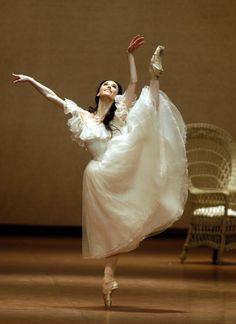 Sylvie Guillem #alvasbfm #ballet #dancer
