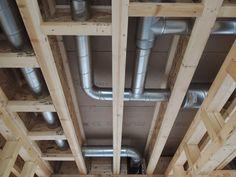 Le réseau acier galvanisé reste la meilleure solution pour réduire la longueur des réseaux double flux. Résultat: Moins de bruit et moins de consommation des moteurs.