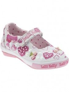 e0fcbf9f320 6 Girls Sneakers That Don t Look Like Sneakers