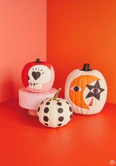 Fröhliches Halloween, Adornos Halloween, Halloween Inspo, Holidays Halloween, Halloween Pumpkins, Spooky Pumpkin, Halloween Quotes, Pumpkin Faces, No Carve Pumpkin Decorating