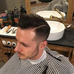 Fresh fade #barber #barberlife #barbershop #prague #connection #bratislava #czechrepublic #fade #freshcut #class #reuzel #reuzelpomade #fiber