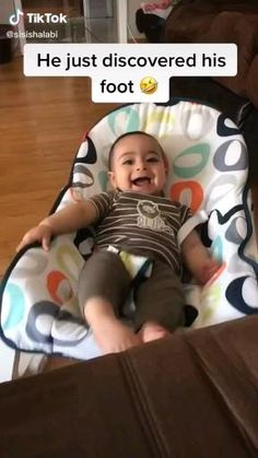 Funny Baby Memes, Funny Vidos, Funny Video Memes, Crazy Funny Memes, Really Funny Memes, Funny Laugh, Funny Relatable Memes, Cute Funny Baby Videos, Cute Funny Babies