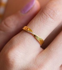 Gold Rings Jewelry, Gold Jewelry Simple, Jewelry Design Earrings, Gold Earrings Designs, Gold Ring Designs, Gold Bangles Design, Gold Jewellery Design, Mens Ring Designs, Elegant Wedding Rings