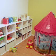 wisteria.sさんの、部屋全体,ナチュラル,IKEA,カラーボックス,子供部屋,北欧,ニトリ,キッズルーム,壁紙,おもちゃ収納,アンパンマン,キッズテント,子供部屋男の子,グリーンの壁,アンパンマンのおもちゃ,こどもと暮らす。,のお部屋写真