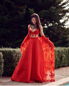 Trendy ideas wedding indian outfit red Trendy ideas wedding indian outfit redYou can find indian wedding clothes and more on our Trendy ideas wed. Indian Lehenga, Indian Gowns, Indian Attire, Indian Ethnic Wear, Red Lehenga, Raw Silk Lehenga, Red Indian, Indian India, Bridal Lehenga