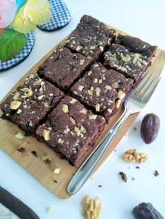 Serve Date And Walnut Whole Wheat Brownie Recipe as a party dessert with vanilla ice cream dribbled with chocolate sauce. Brownie Butter Cake Recipe, Whole Wheat Brownie Recipe, Rich Chocolate Brownies Recipe, Eggless Brownie Recipe, Eggless Desserts, Eggless Recipes, Eggless Baking, Brownie Recipes, No Bake Desserts