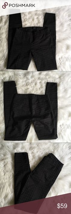 7 For All Mankind Textured Black Leggings In very good condition. These are not the thin see thru leggings. They also have a Textured type design to them, 7 For All Mankind Pants Leggings
