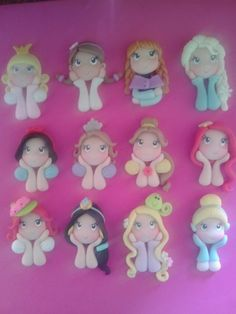 Princesas de Disney. Polymer Clay Magnet, Clay Magnets, Polymer Clay Fairy, Polymer Clay Projects, Polymer Clay Creations, Baby Boy Cookies, Cupcakes For Boys, Clay Fairies, Pasta Flexible
