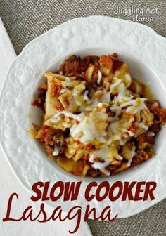Slow Cooker Lasagna via Juggling Act Mama #slowcooker #lasagna#comfortfood