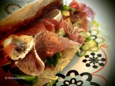 Lovely pizza pocket/Pizza Pachetto with prosciutto and goat cheese!