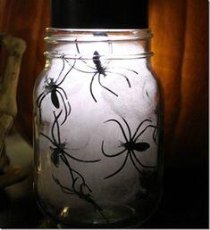 Spooky Spiders in Jars - Mason Jar Crafts Love