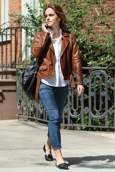 Emma-Watson_glamour_26apr16_rex_b_640x960.jpg (640×960)