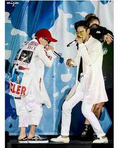 呢張好靚呀 160827 A-Nation Cr logo via @psh5353❤❤❤ #kwonjiyong #bigbang #gd #gdragon #jiyongie #jiyong #top #tabi #choiseunghyun #choi_seung_hyun_tttop #leeseunghyun #seungriseyo #seungri #daesung #kangdaesung #youngbae #taeyang #gtop #gdyb #nyongtori #kwonleader #nyongtory #權志龍 #권지용 #지디 #지용 #지드래곤 #xxxibgdrgn