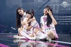 Typical Girl, Yuehua Entertainment, Girls Life, Kpop Groups, South Korea, Kpop Girls, Girl Group, Cute Pictures, Couple Photos