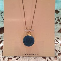 LC Lauren Conrad turquoise Druzy necklace BNWT LC Lauren Conrad turquoise Druzy necklace BNWT. 36 inches long gold plated Great for laying!! ❌No trades! Price firm unless bundled LC Lauren Conrad Jewelry Necklaces