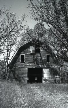 old barns and empty houses | This old barn was photographed in Davidson County, North Carolina ...