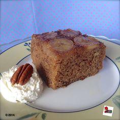 Banana upside-down cake with maple glaze: a super quick, super tasty banana traybake.