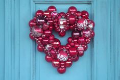 Would love to make one similar to this for Valentine's Day. Dishfunctional Designs: Vintage Christmas Ornament Wreaths