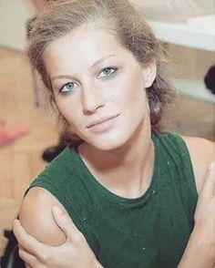 WEBSTA @ giselebundchenonline - Little fairy @gisele in the backstage of @prada F/W 2000 #giselebundchen #giselebündchen #gisele #young #younggisele #younggiselebundchen #youngandbeautiful #fairy #fairylike #lovely #supermodel #queen #icon #legend #fashion #fashionicon #prada #backstage