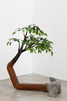 Creativa escultura de madera