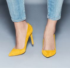 bright yellow pumps are a must!