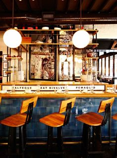 The Dutch in NYC designed by Roman and Williams -the oyster Bar Design Bar Restaurant, Cafe Restaurant, Commercial Interior Design, Commercial Interiors, Saint Quentin, Roman And Williams, Bar A Vin, Restaurants, Innovation