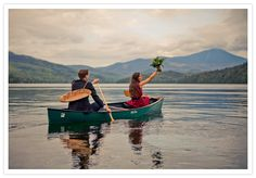Doesn't a simple elopement in a row boat seem just perfect sometimes? Love this shot of newlyweds by Jon Zander, taken a few weeks ago at the Lake Placid Lodge.