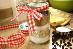 Oatmeal Chippers in a Jar | MrFood.com