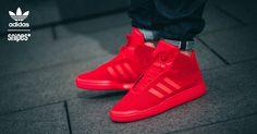"""All Red Everything! adidas bringt mit dem Veritas einen der erfolgreichsten Newcomer des letzten Jahres im neuen Colorway. Der Sneaker kommt mit komplett rotem Upper und ist so der Hingucker schlechthin. Und damit noch nicht genug, denn dieser adidas Veritas """"All Red"""" ist ein SNIPES Exclusive! Ab sofort im SNIPES Onlineshop sowie in ausgewählten SNIPES Stores. Artikelnr.: 1003229 Sizerun: 47 1/3-49 1/3 Preis: 99,99 Euro #snipes #snipesknows #adidas #adidasveritas #veritas #allredeverything"""