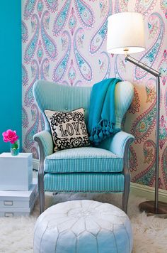 .LOVE. everything about this room! accent wallpaper wall.