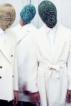 Crystal face masks at Maison Martin Margiela Fall 2012 HC. Foto Fashion, High Fashion, Fashion Show, Fetish Fashion, Fashion Pics, Minimal Fashion, Fashion Outfits, Margiela Mask, Fashion Mask