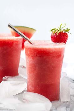 Icy watermelon and strawberries blended with your favourite white wine makes this frosty Strawberry Watermelon Sangria Slushie a perfect drink for summer! Frozen Drink Recipes, Sangria Recipes, Frozen Drinks, Beer Recipes, Margarita Recipes, Cocktail Recipes, Melon Recipes, Cocktail Ideas, Milkshake Recipes