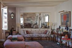 Homebuildlife: Fortuny Interiors: luxurious fabrics in real homes Knole Sofa, 1920s Home Decor, Luxury Interior, Interior Design, 1920s House, Settee Sofa, Home Accessories, Upholstery, Living Room