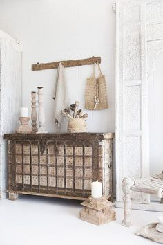 Showpieces For Home Decoration Nature Decor, Boho Decor, Rustic Decor, Interior Styling, Interior Decorating, Interior Design, Decorating Games, Indian Furniture, Home Furniture