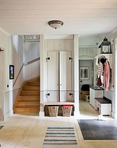 mudroom entry mudroom would be perfection in my house House Design, Mudroom, House, Small Spaces, Interior, Home, New Homes, House Interior, Interior Design