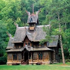 """JUST LIKE AT DISNEY!Little Norway; the """"stavkirke"""" was actually used as the Norway pavilion at the 1893 Columbian Exposition (world's fair) in Chicago. Viking House, Viking Life, Viking Culture, Norse Vikings, Kirchen, Wisconsin, Architecture Design, Church Architecture, Classical Architecture"""