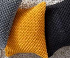 Loom Knit The Trinity Stitch a.a The Raspbeyy Stitch Loom Knitting Stitches, Knitting Basics, Loom Knitting Projects, Knitting Videos, Easy Knitting, Loom Patterns, Knitting Patterns, Knit Pillow, How To Purl Knit