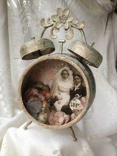 Altered alarm clock with vintage wedding theme - Decoist