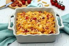 Pasta gratin with chicken, chorizo ​​and tomatoes - Amandine Cooking - - Vegetarian Spaghetti, Baked Spaghetti, Spaghetti Recipes, Chicken Chorizo, Chicken Pasta, Instant Pot Spaghetti Recipe, Food Videos, Baking Recipes, Macaroni And Cheese