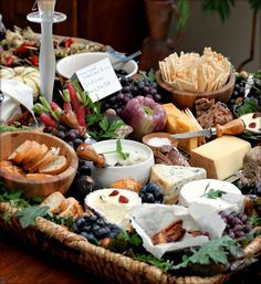 Holiday Entertaining: Perfecting the Cheese Board