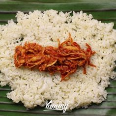 "28.1rb Suka, 285 Komentar - Yummy App (@yummy.idn) di Instagram: ""Nasi Bakar Ayam Pedas | Yummy Jangan lupa share video ini dan follow @Yummy.IDN @IDNTimes.Video -…"" Nasi Bakar, Indonesian Food, Coconut Flakes, Asian Recipes, Recipies, Spices, Food And Drink, Appetizers, Cooking Recipes"