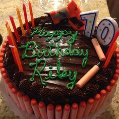 Nerf Birthday Cake! 10th Birthday, Birthday Parties, Birthday Cake, Nerf Party, Nerf Gun, Cupcake Ideas, Party Planning, Birthdays, Cupcakes