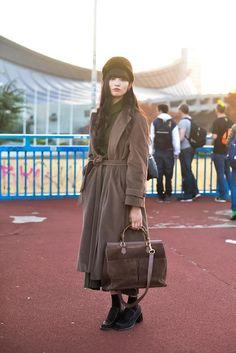 【スナップ】原宿で撮影したマンナ ミユさん。時計・バッグはグッチ http://www.fashion-press.net/snaps/1239