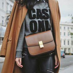 fashion-clue: thechic-fashionista: Coat Bag www. Celine Classic Box, Celine Box, Fashion Details, Love Fashion, Mode Style, Style Me, Fashion Mode, Fashion Trends, Net Fashion