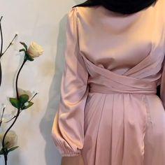 Modern Hijab Fashion, Muslim Women Fashion, Hijab Dress Party, Classy Dress, Simple Dresses, Fashion Dresses, Eid Mubarak, Kebaya, Outfit
