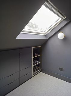 Well Lane Home by Mulroy Architects Traditional single family house located in London, UK, redesigned by Mulroy Architects. Attic Bedroom Closets, Attic Bedroom Storage, Bedroom Built Ins, Attic Bedroom Designs, Attic Design, Upstairs Bedroom, Bedroom Loft, Loft Design, House Design