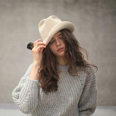 iloverunways:    Isabel Marant sweater