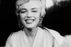 Mmmwwaaaahh! via vintagegal: Marilyn Monroe,1954