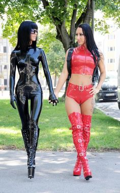 Red or black you can choose. ...I couldnt find pink ♥♥♥♥ Chrissy xxx